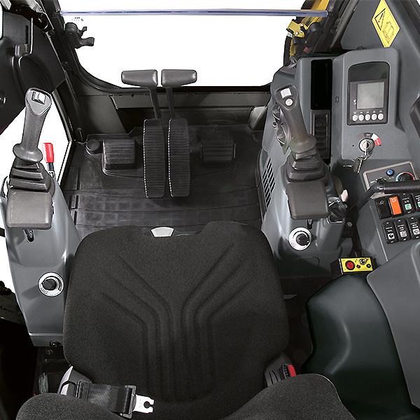 Mini pelle Yanmar ViO23 - Intérieur de la cabine